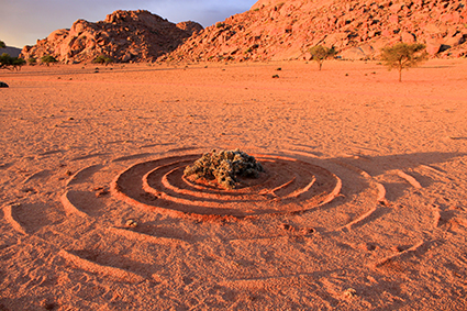 creating water patterns in the dessert
